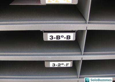 Detalle casillero interior buzones BCP Arregui instalados en Valencia.